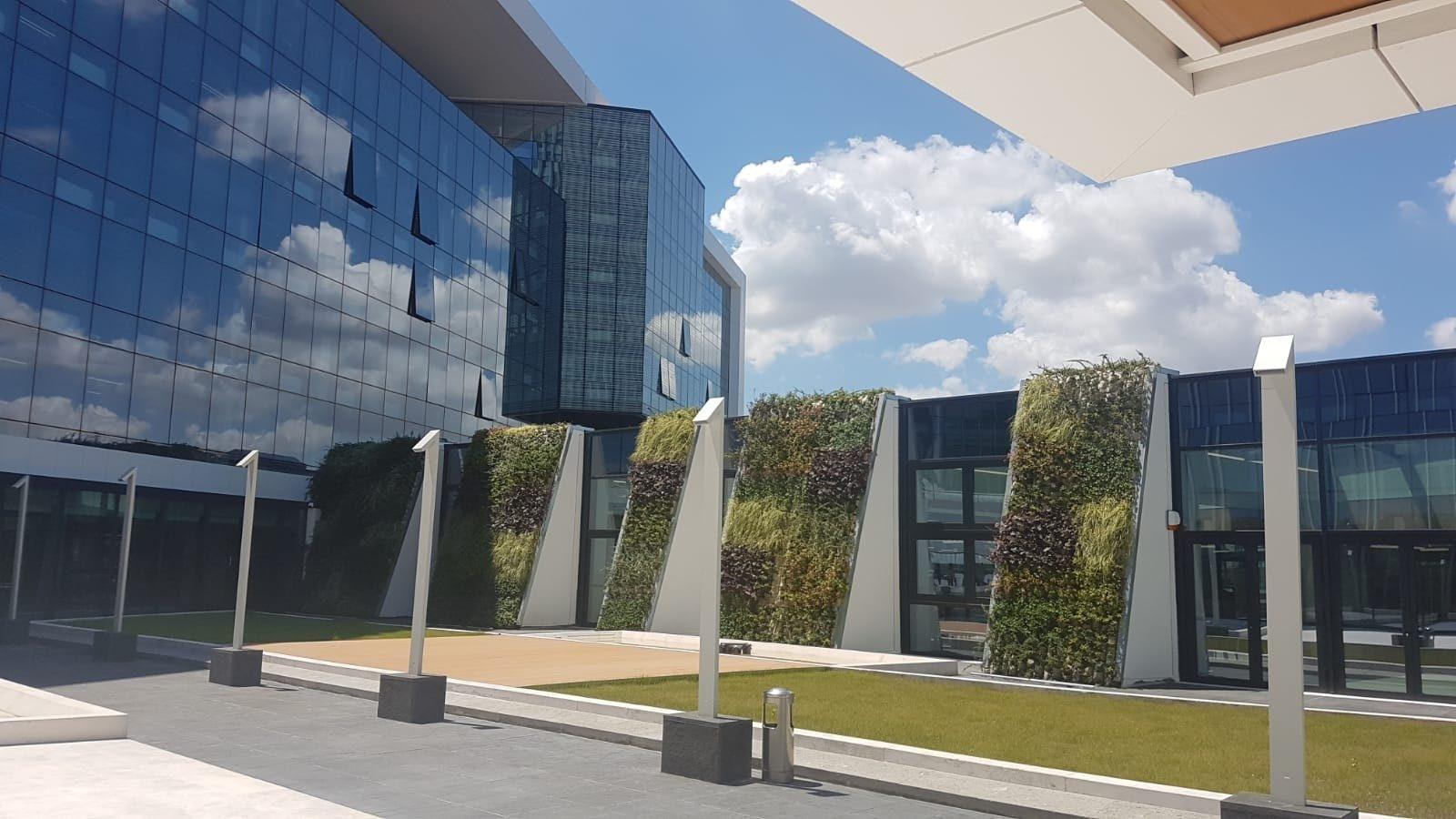 Uffici ENI a Roma EUR: al via la consegna del primo dei due edifici